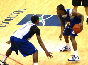 Kyrie Irving vs Brandon Knight