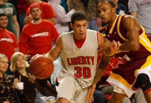 mens-basketball-action-sethcurry2-7-09large-300x206