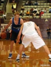 Plumlee defens Singler in an earlier Pro Am game - Rick Crank Photo