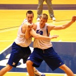 Plumlee brothers go at it in practice - copyright BDN Photo