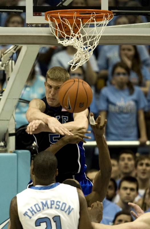 Mason Plumlee leads Duke past UNC