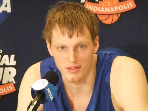 Singler leads Duke to championship game