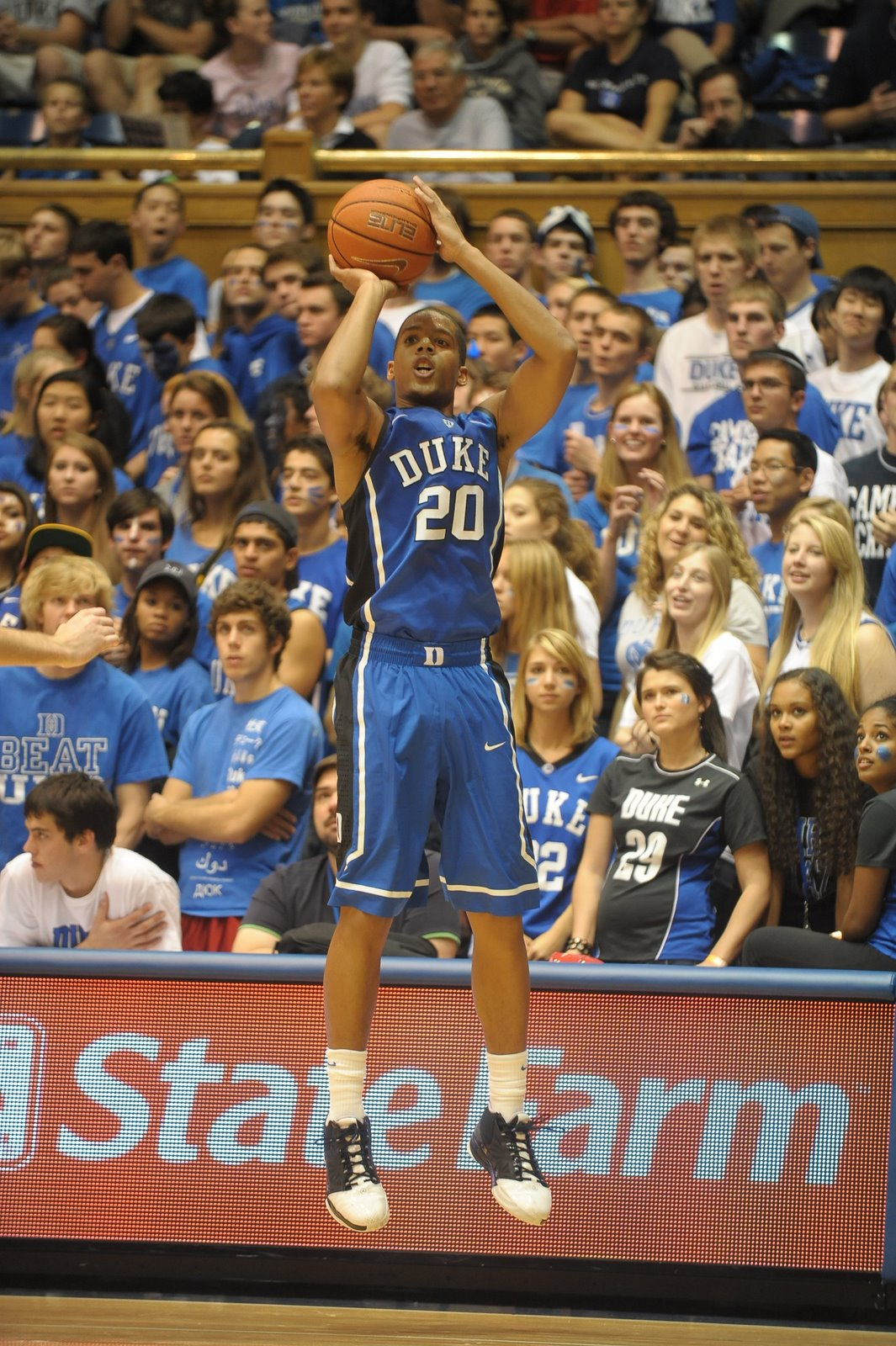 Dre for 3!  Photo copyright BDN/Rick Crank
