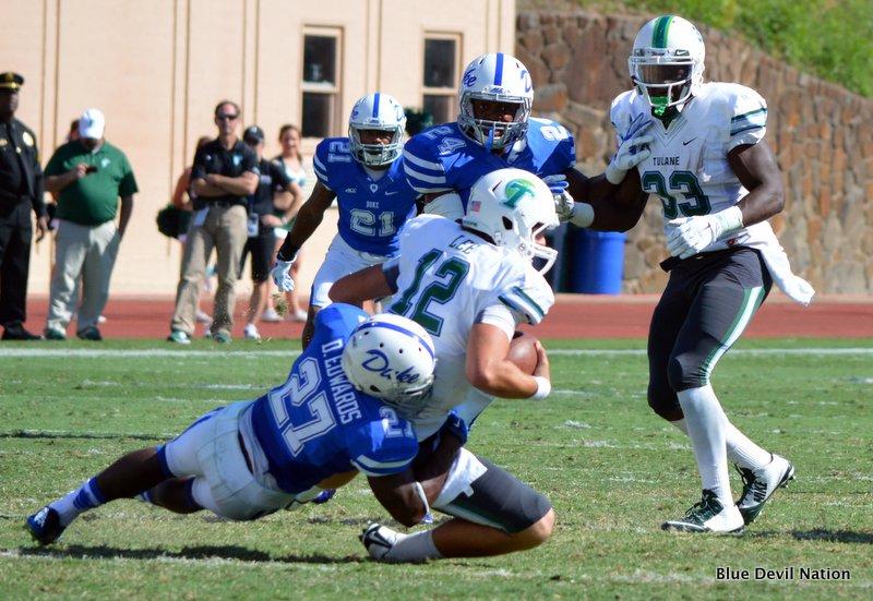 DeVon Edwards with the sack