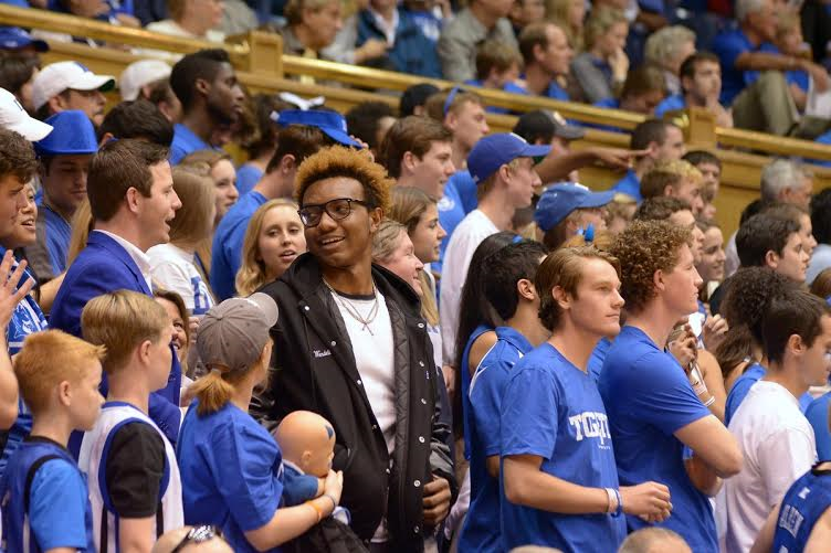 Wendell Carter picks Duke with his own video on twitter this morning.
